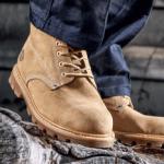 proper work boots being worn on job