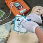 AED defibrillator training with dummy