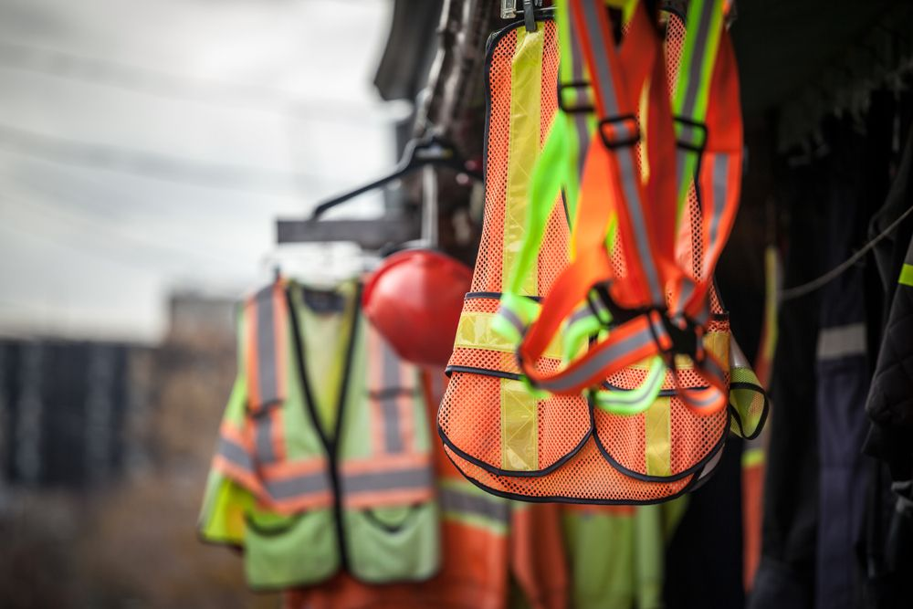 safety vests & ppr for job site workers