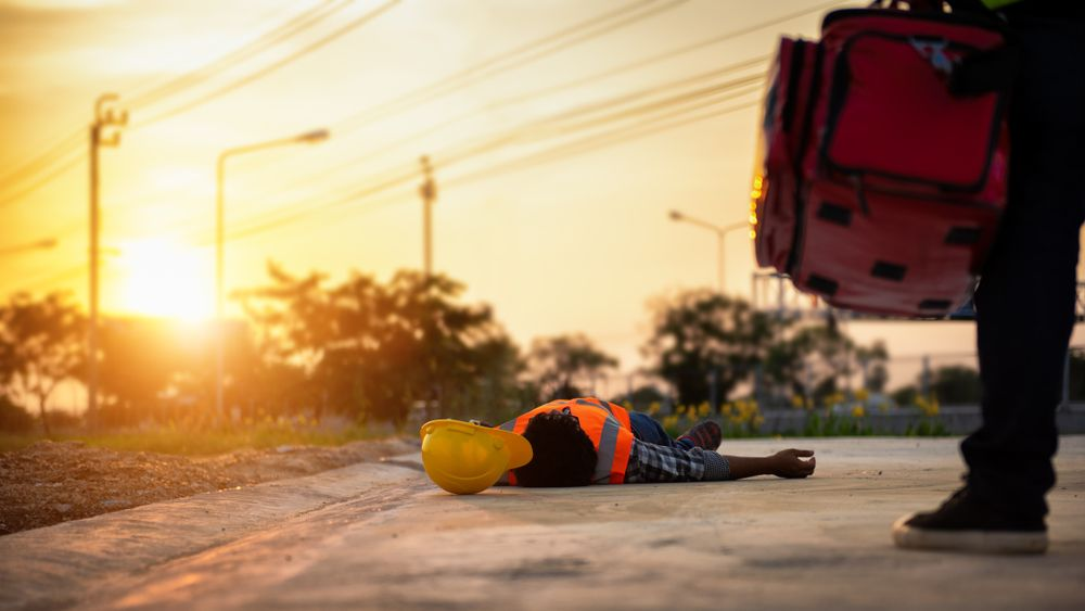 worker collapses from heat stress